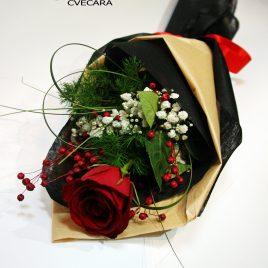 19. Ruža sa dekoracijom