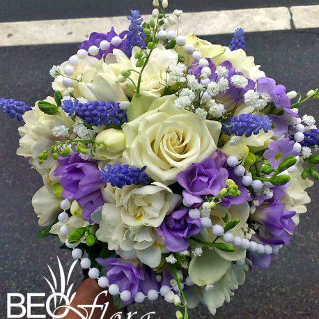 bidermajer beoflora lila i bele frezije