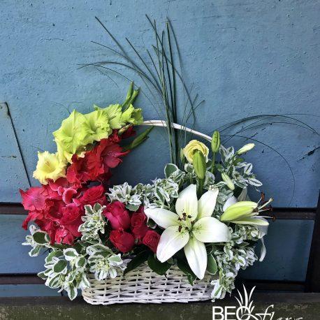 cvecara beoflora korpa letnji mix, gladiole, ljiljani, ruže