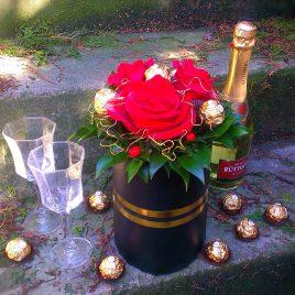 Deluxe Roses & Ferrero
