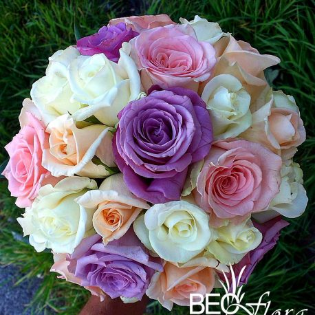 bidermajer beoflora lila ruze, pastelni tonovi